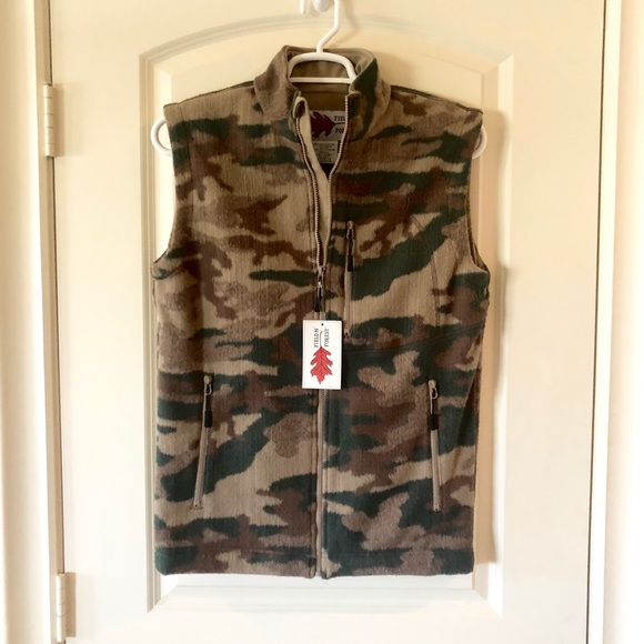 NWT Field N' Forest Camo Vest
